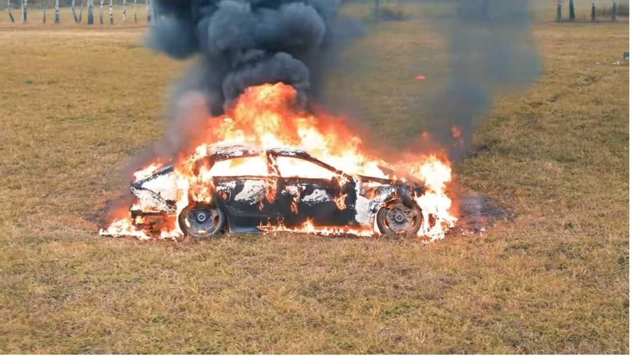 L'incredibile incendio della Mercedes-AMG 63 S GT Coupé4