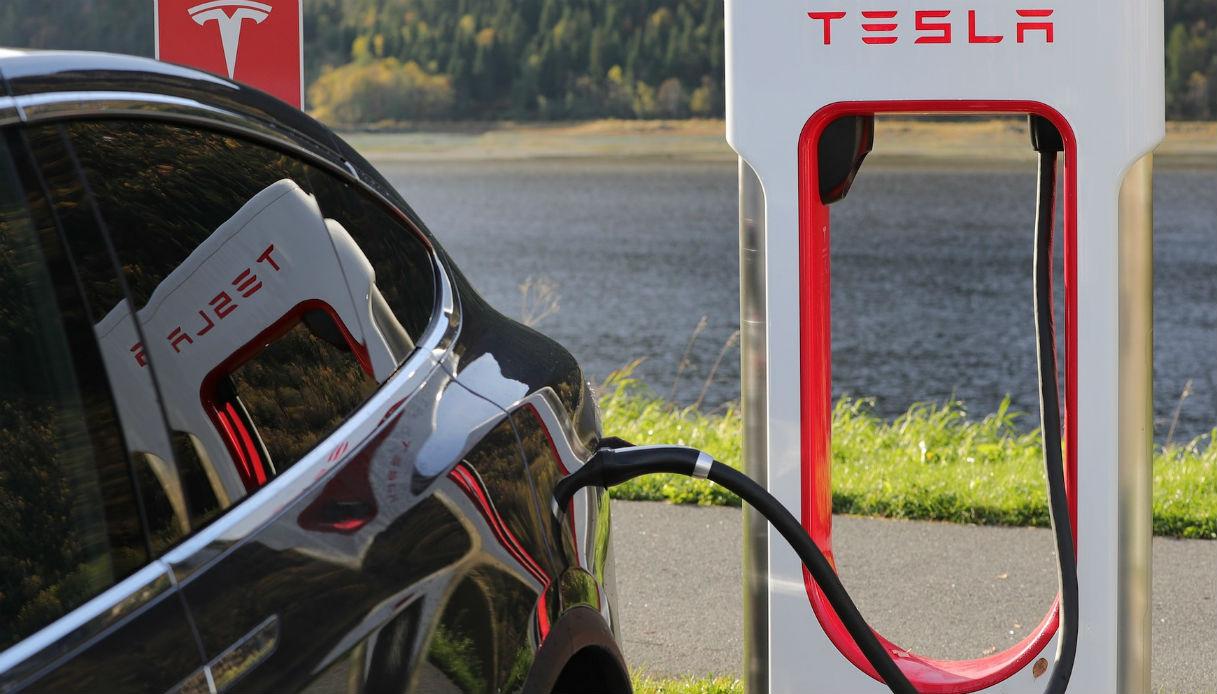 tesla fornitore energia