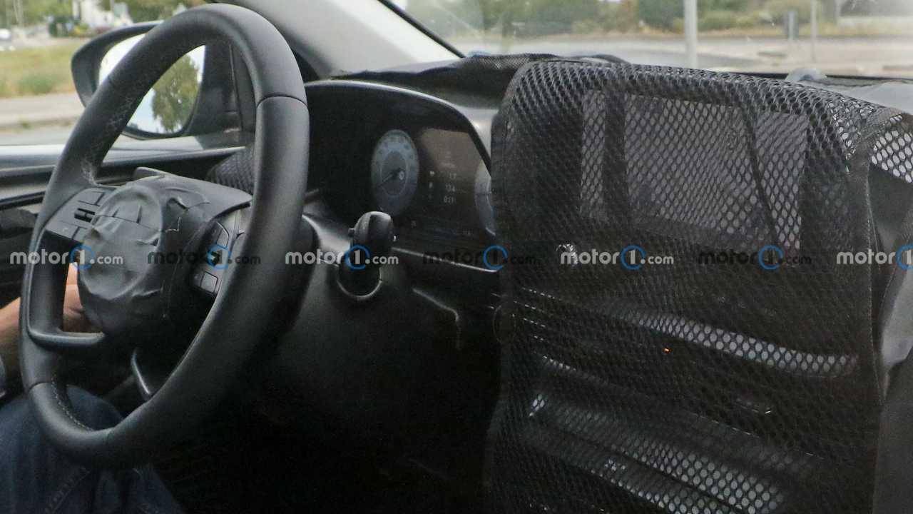 Hyundai Bayon prima foto spia (interno)
