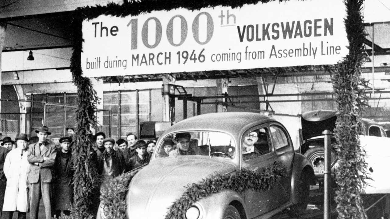 75 anni fa iniziava la produzione del Maggiolino