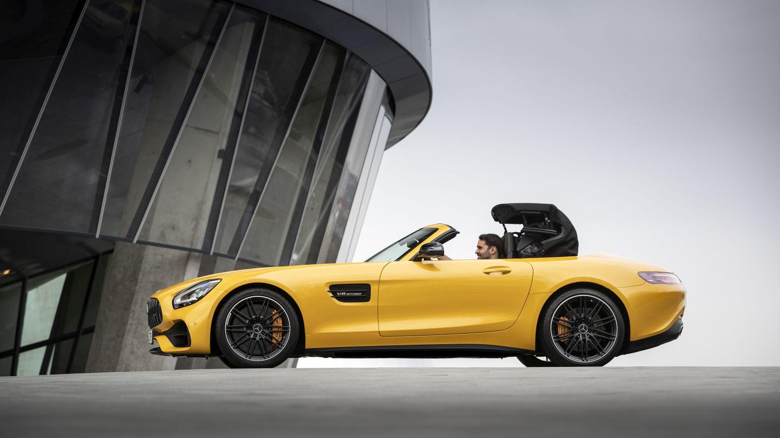 Mercedes-AMG SL: la sostituta della GT Roadster arriva nel 2021