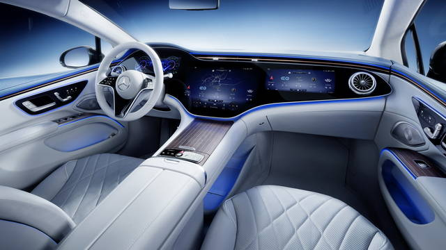 La Mercedes EQS stupisce con interni hi-tech