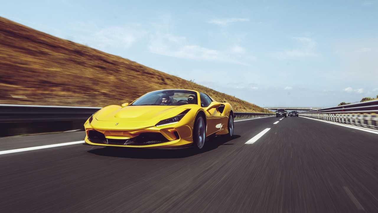 Ferrari F8 Spider, la prova su strada