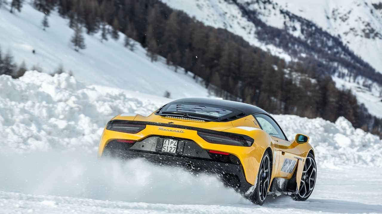 Maserati MC20, dalla neve alla produzione