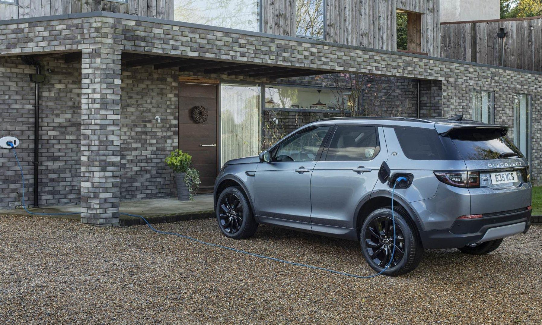 Jaguar Land Rover: la gamma 2021 punta su elettrificazione e connettività