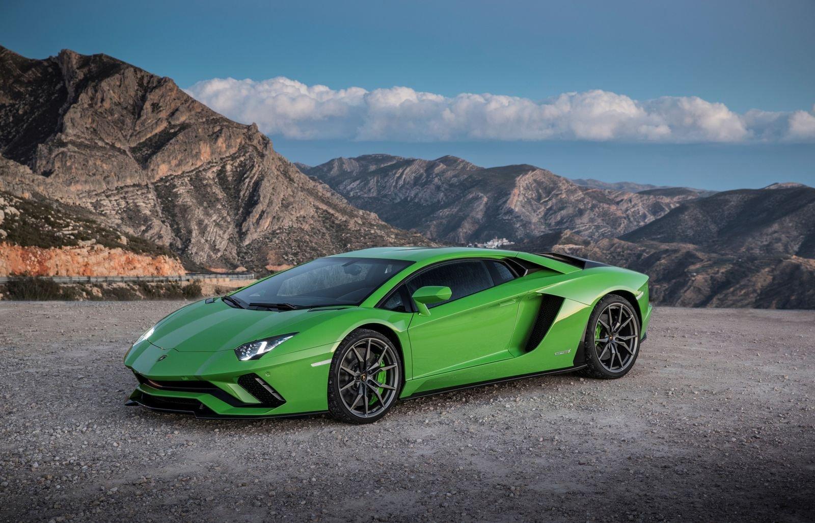 Lamborghini Aventador: allo studio due versioni speciali