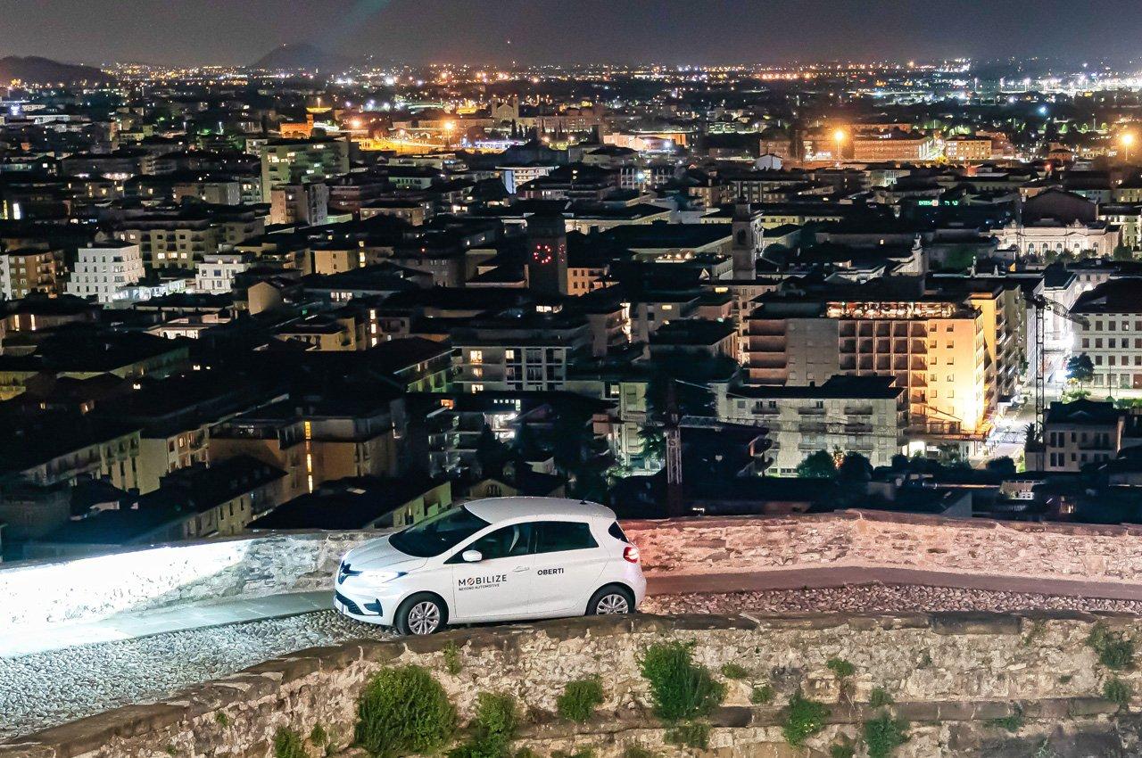 """Renault amplia e rinforza il servizio di car sharing """"Corrente"""""""