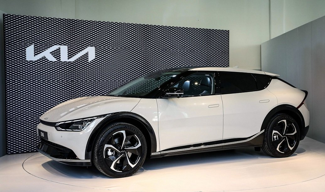 Kia EV6: nuova gamma, prezzi, autonomia e debutto sul mercato