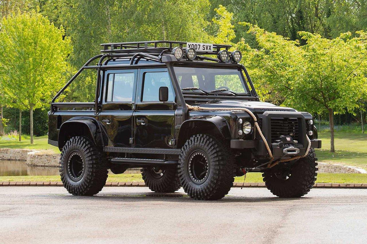 Land Rover Defender Spectre: in vendita quella di James Bond