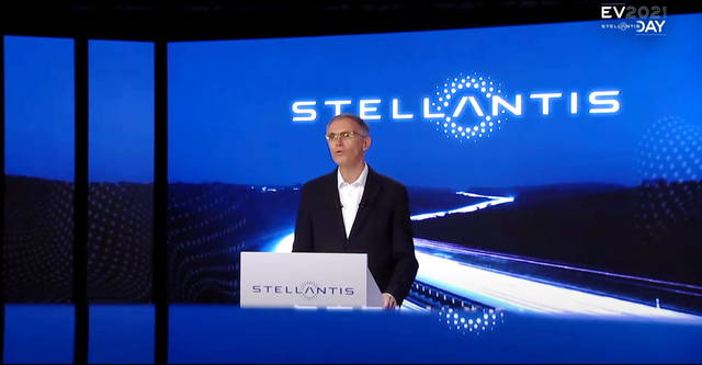 Stellantis: il piano per le EV prevede anche una fabbrica di batterie in Italia