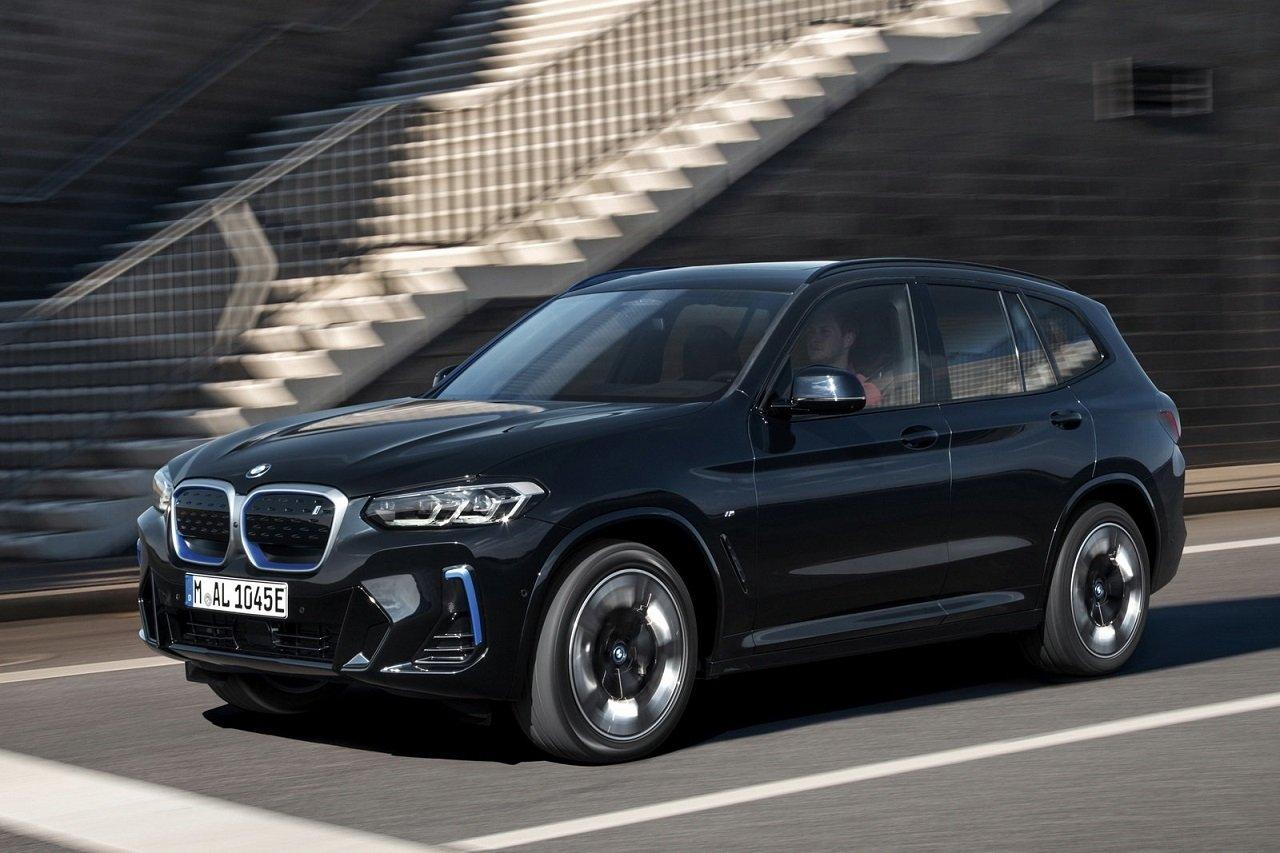 BMW iX3: i dettagli dell'aggiornamento