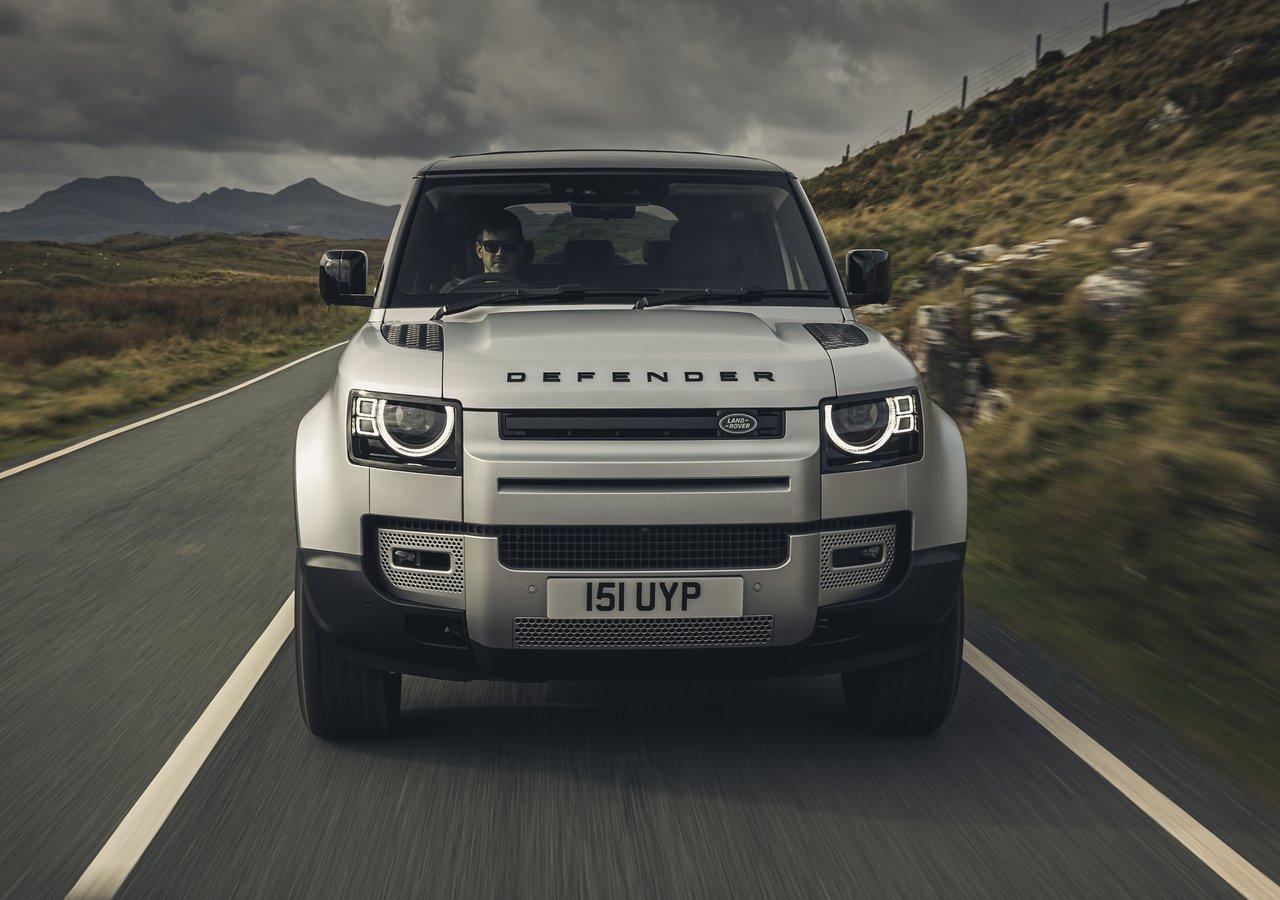 Land Rover Super Defender: modello 'alter ego' della Range Rover?
