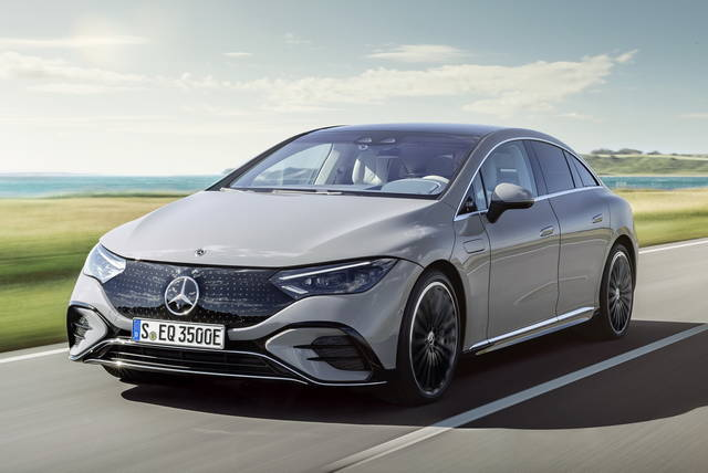 Mercedes EQE: non chiamatela mini-EQS