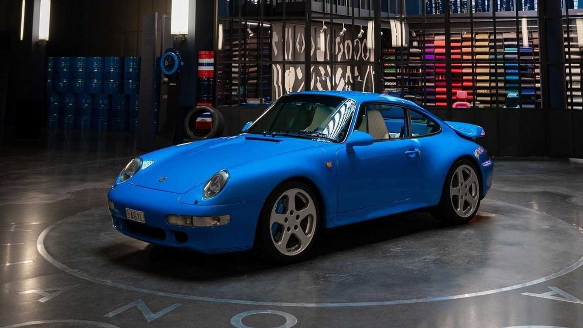 Porsche 911 (993) in Azzurro Lapo: l'ultima creazione di Garage Italia