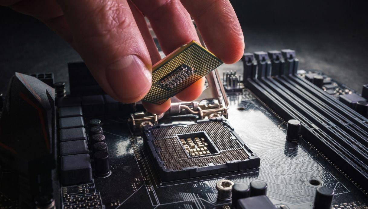 crisi microchip mercato auto