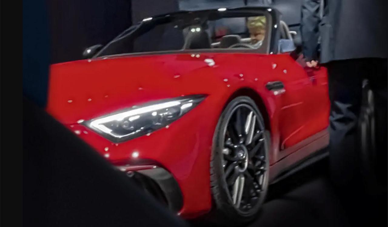 Nuova Mercedes SL 2022, la foto sfuggita prima del debutto